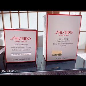 Shiseido Moisturizing Gel Cream + Cleansing Sheets